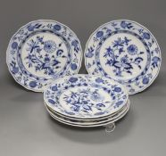 Five Meissen onion pattern dishes, diameter 24.5cm