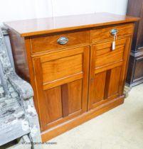 An Edwardian mahogany side cabinet, width 110cm, depth 47cm, height 98cm