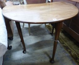 A George III mahogany oval pad foot dining table W 100 extended D 98 H 72 cms