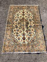 A Kashan rug, 150 x 98cm