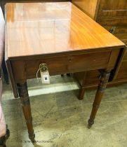 A Regency mahogany Pembroke table, W.50cm D.76cm H.71cm
