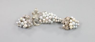 A modern suite of sterling and cultured pearl cluster jewellery, of vineous design, comprising a