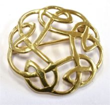 A SCOTTISH ORTAK 9CT GOLD MODERN CELTIC BROOCH The circular interwoven Celtic design brooch 3cm