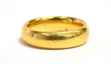 A 22CT GOLD BAND RING hallmarked for Birmingham 1902 ring size k ½ weight approx 8 grams