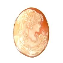 Large 9 ct yellow gold shell cameo pendant brooch.