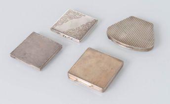Italia - Anni '30, Lotto composto da quattro porta-cipria in argento.