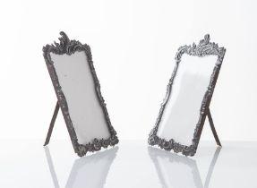 Manifattura Europea - Inizio del XX secolo, Coppia di cornici porta-foto da tavolo.