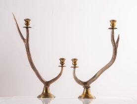 Manifattura Italiana, Coppia di candelieri a due luci in ottone e corno, Anni '70.