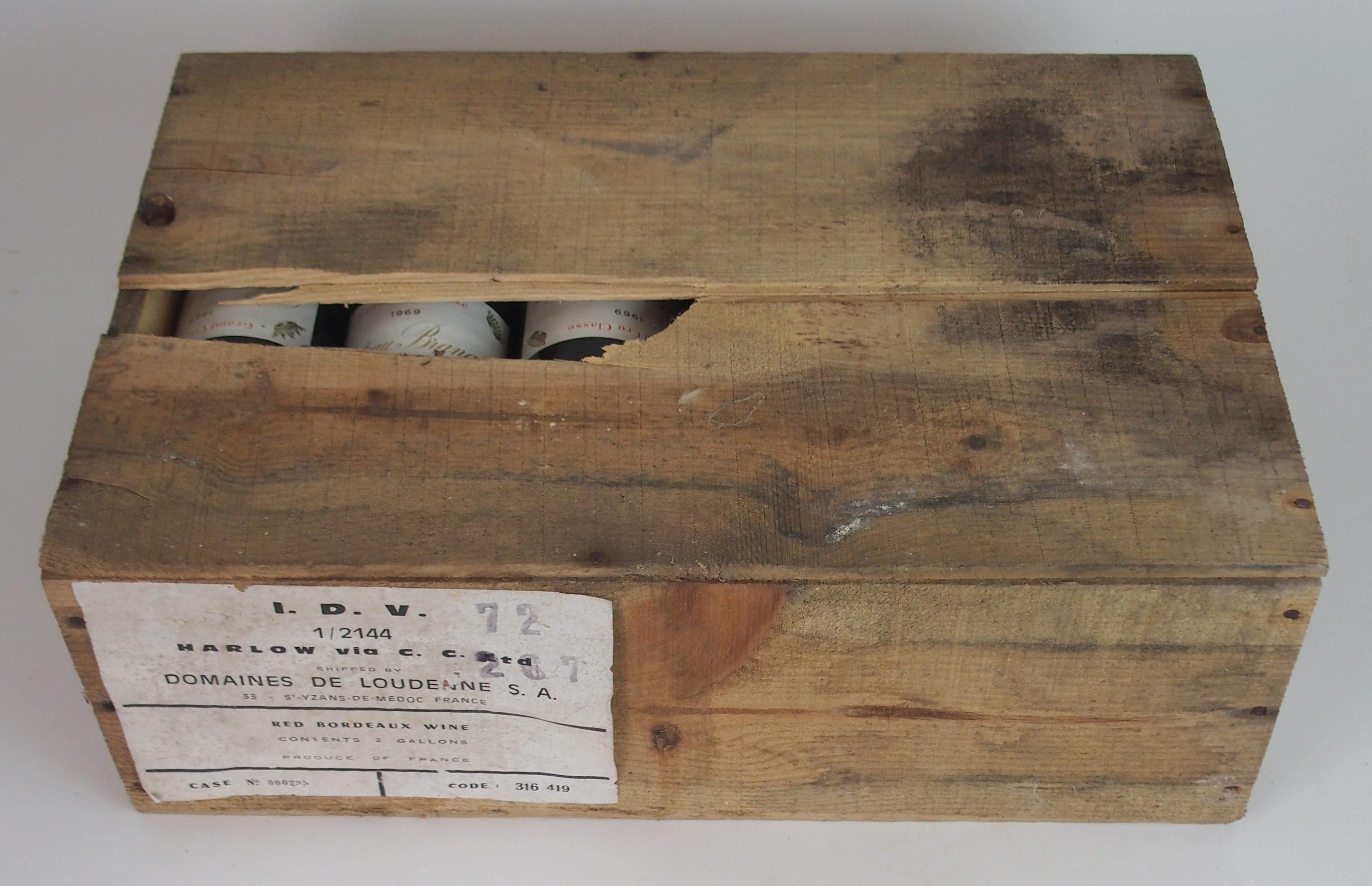 A CASE OF CHATEAU BRANAIRE DULUC DUCRU, ST. JULIEN, 1969 in wooden case Condition Report: