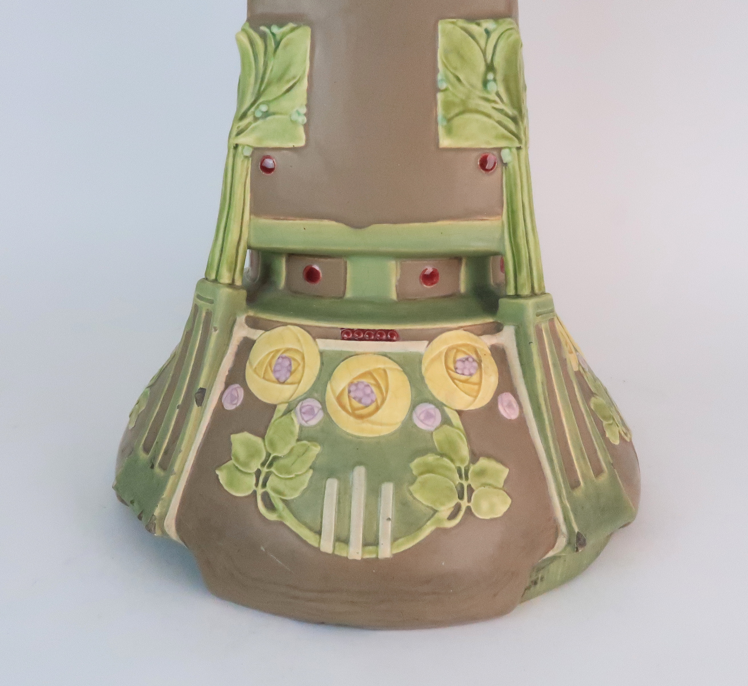 A SECESSIONIST JARDINIERE STAND decorated with stylised rose and foliate decoration in matt pastel - Image 6 of 11