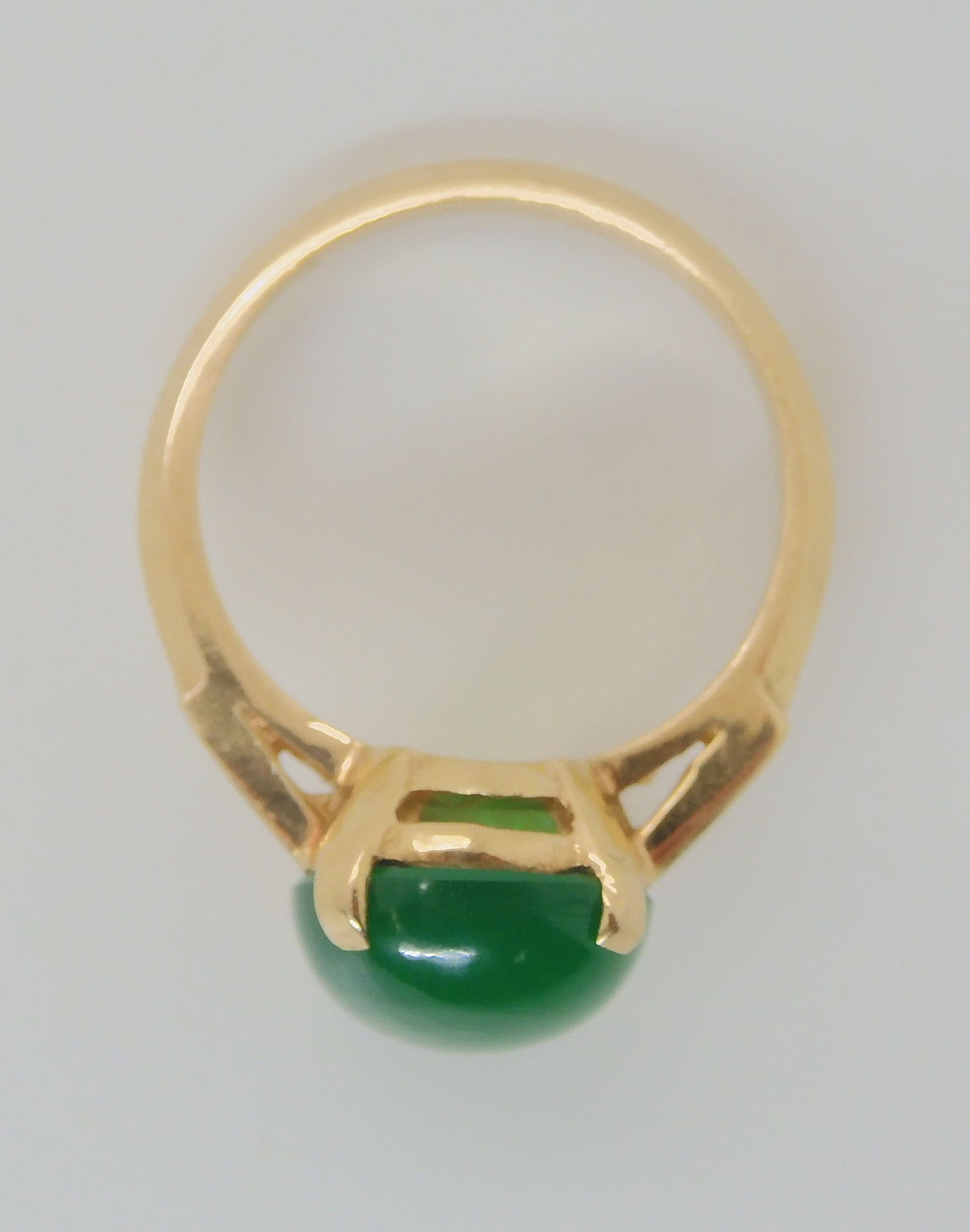 A 14K GREEN HARDSTONE SET RING Finger size M, weight 3.6gms Condition Report: Available upon - Image 2 of 3