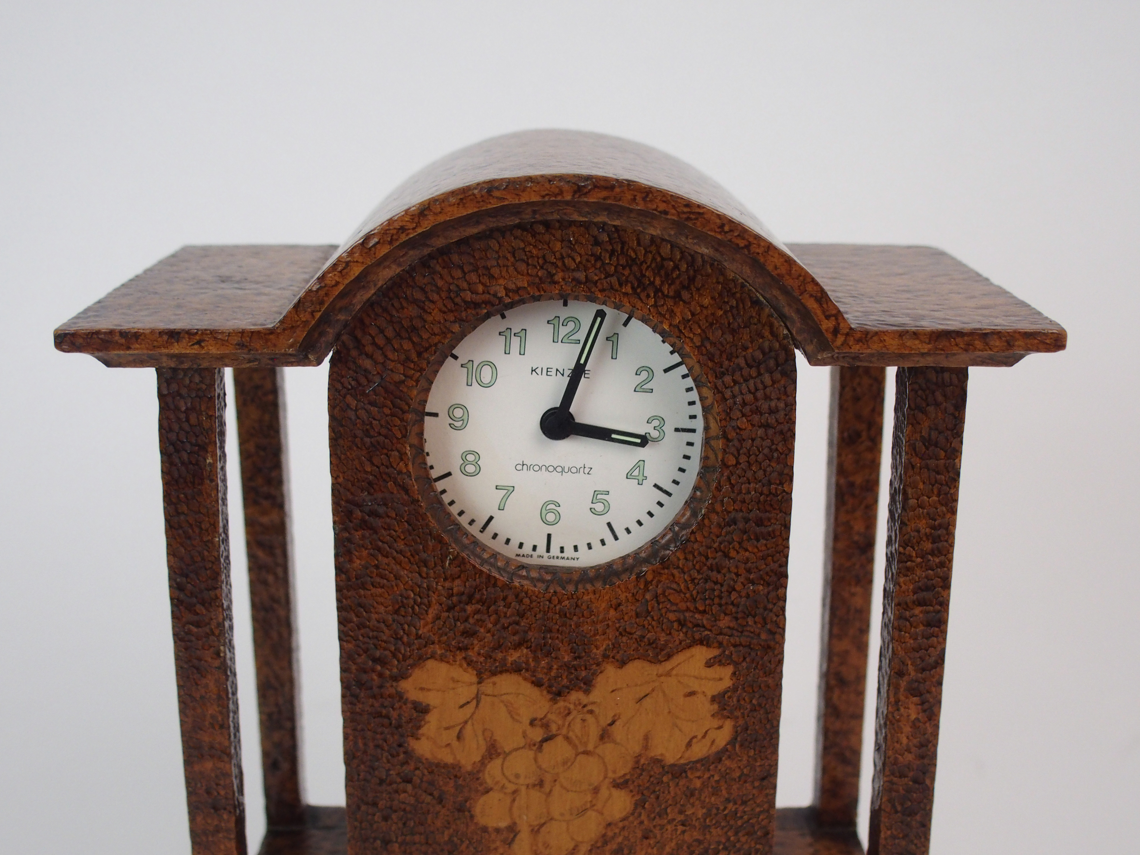 THE FOLLOWING THREE LOTS WERE DESIGNED BY BOXWORKS EMPLOYEE JOHN COOK. A MAUCHLINE WARE CLOCK CASE - Image 4 of 6