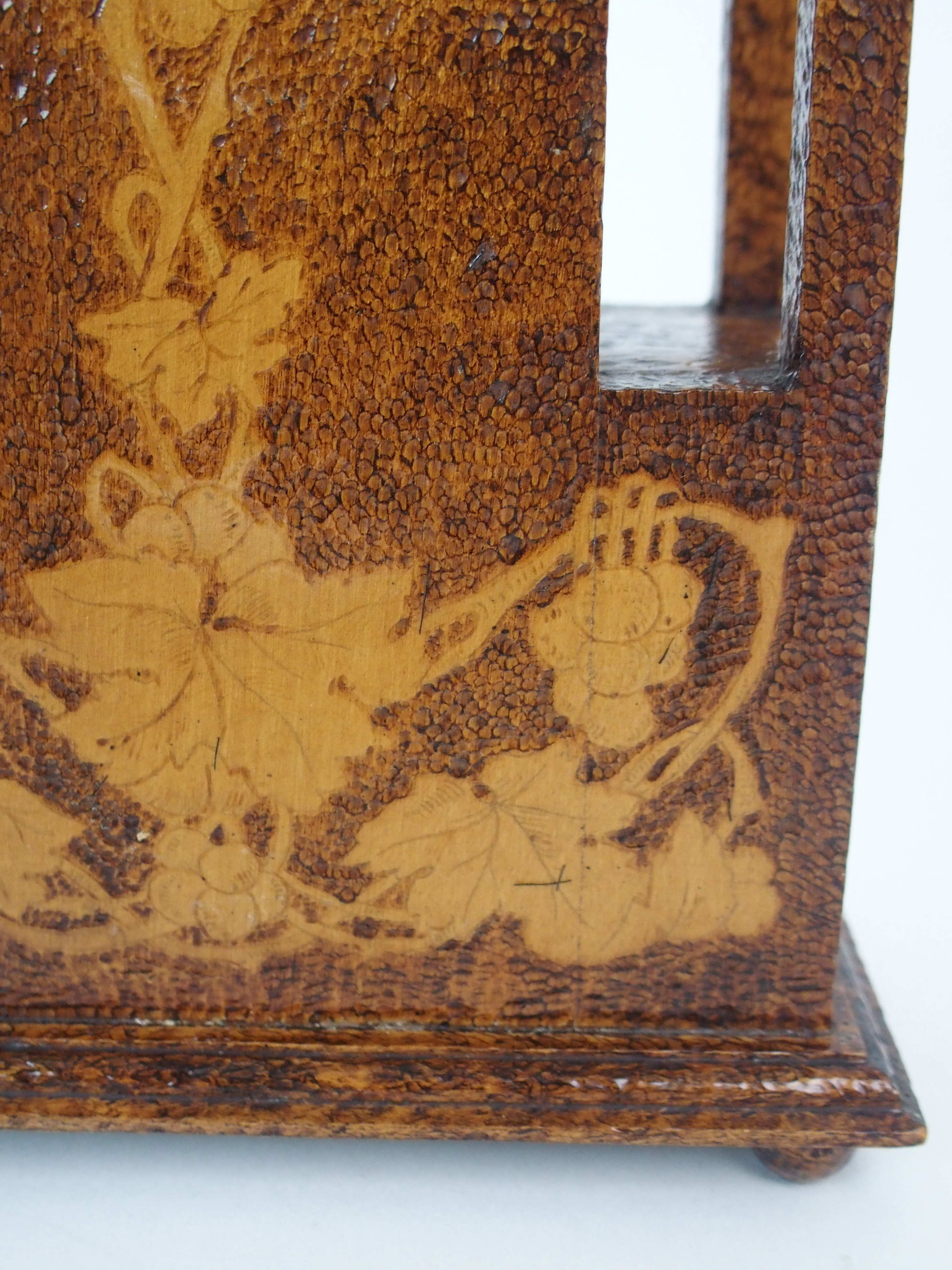 THE FOLLOWING THREE LOTS WERE DESIGNED BY BOXWORKS EMPLOYEE JOHN COOK. A MAUCHLINE WARE CLOCK CASE - Image 2 of 6