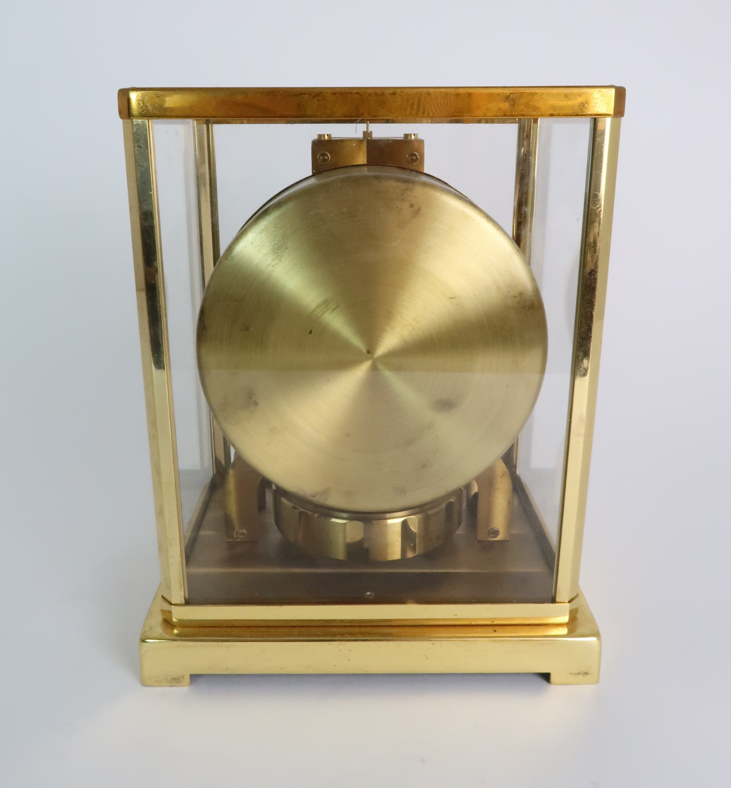 A JAEGER LE COULTRE ATMOS CLOCK in glazed brass case, the white enamel chapter ring with applied - Image 3 of 8