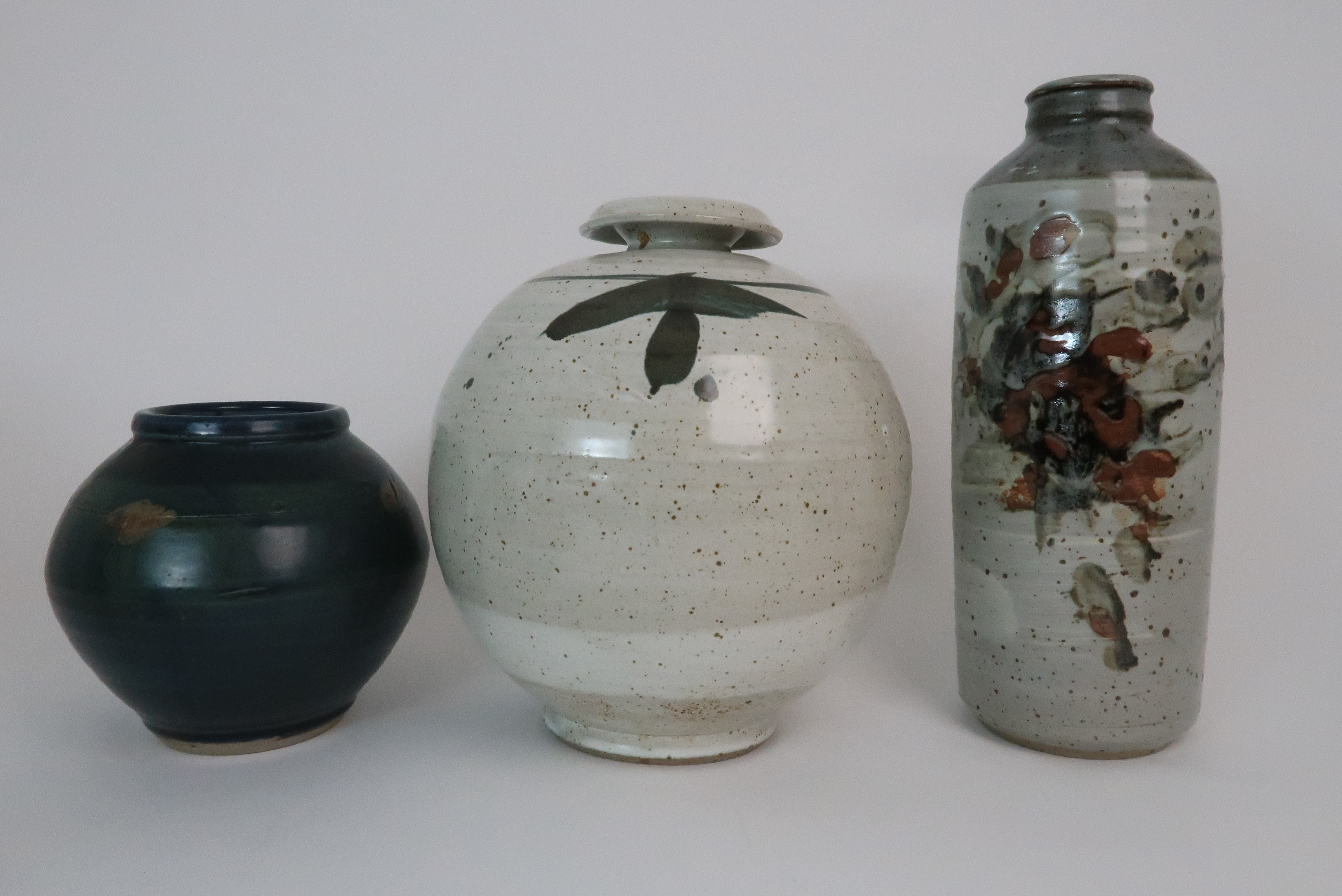 GEORGE SHANKS (1940-2000) - A COLLECTION OF STUDIO POTTERY including a glazed tall vase, 33cm - Image 2 of 15