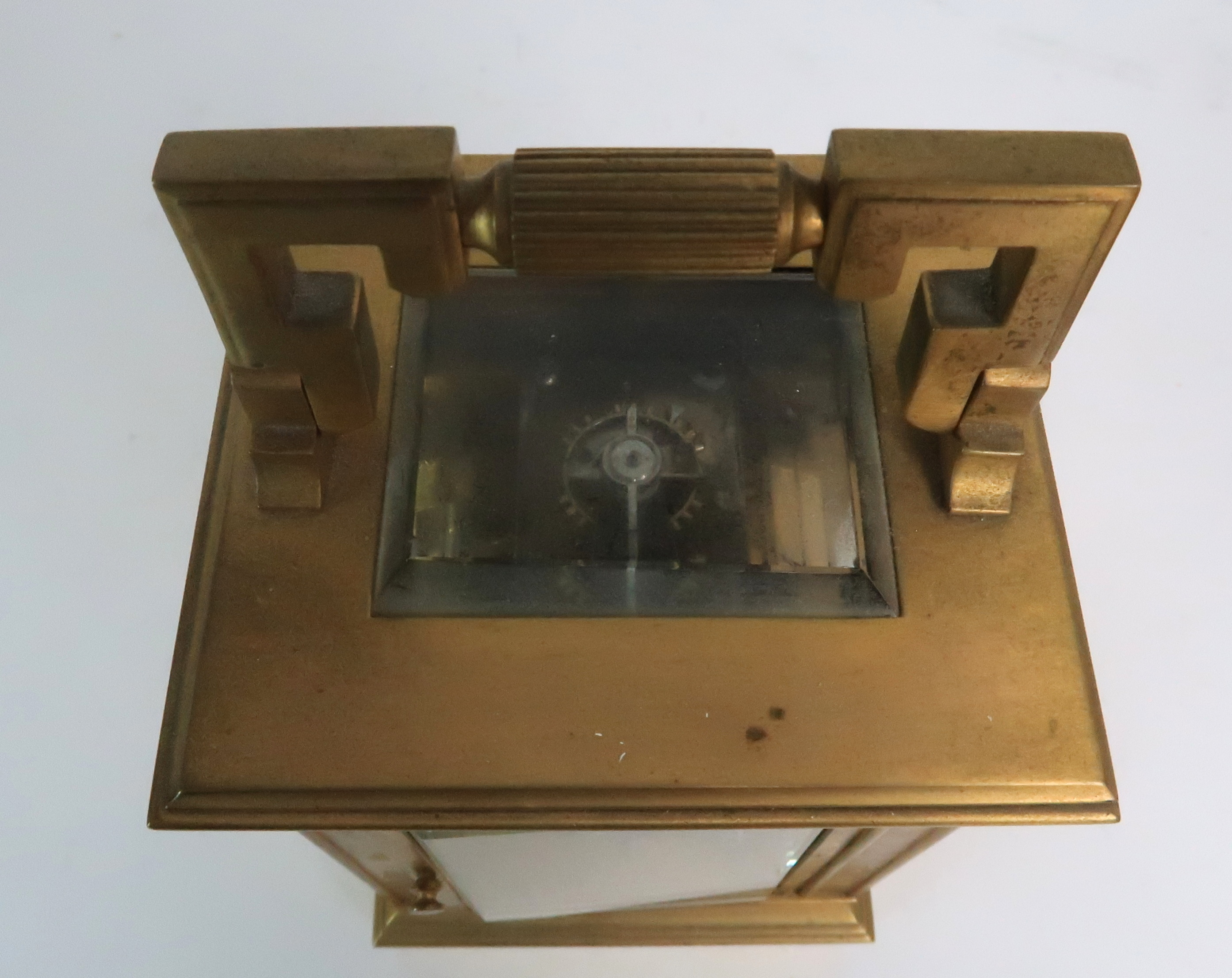 A FRENCH BRASS AND GLASS REPEATER CARRIAGE CLOCK the enamel dial with Roman numerals, with - Image 6 of 8