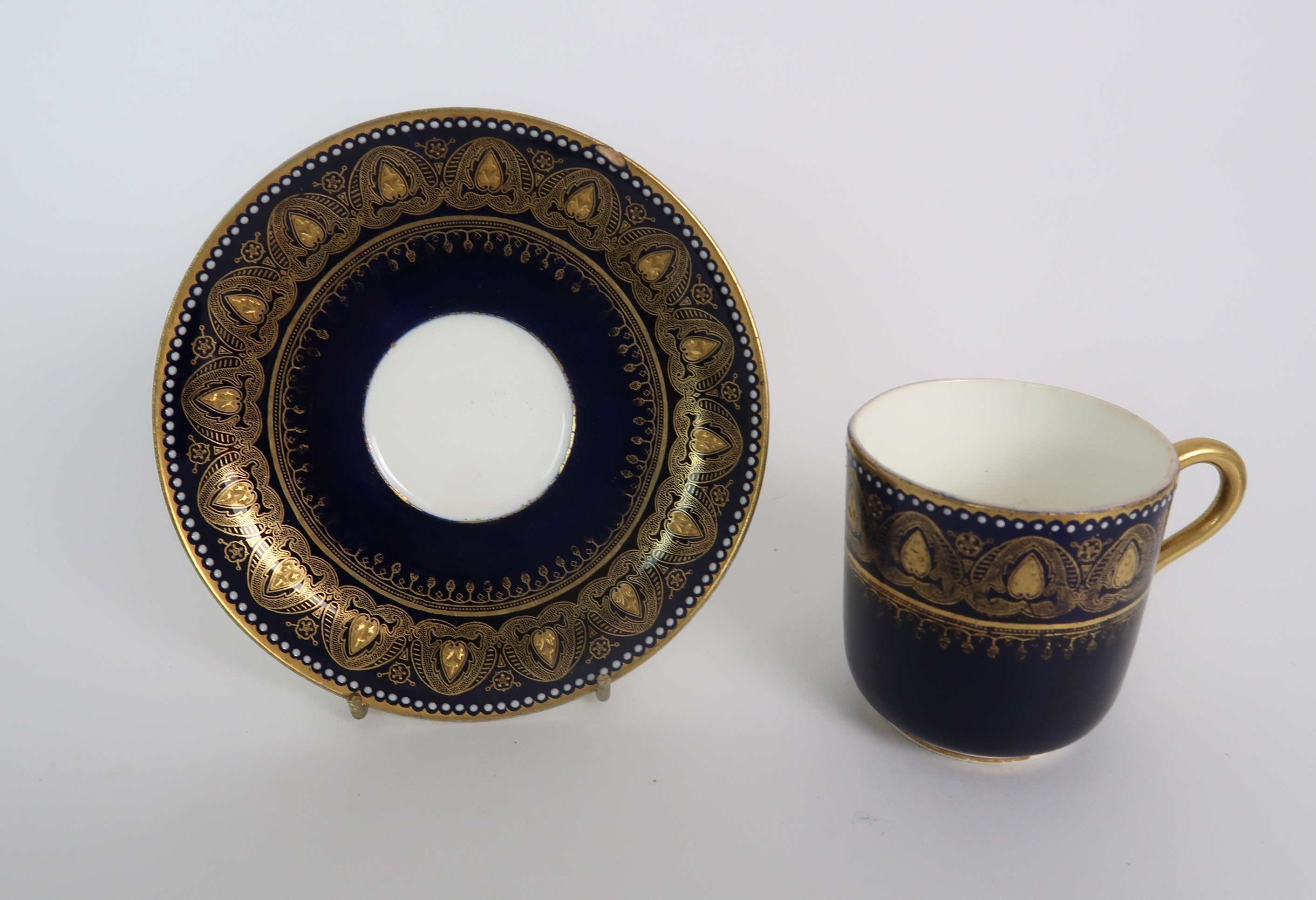 A COLLECTION OF 19TH CENTURY ENGLISH BLUE AND GILT DECORATED TEA AND COFFEE WARES including a - Image 14 of 23