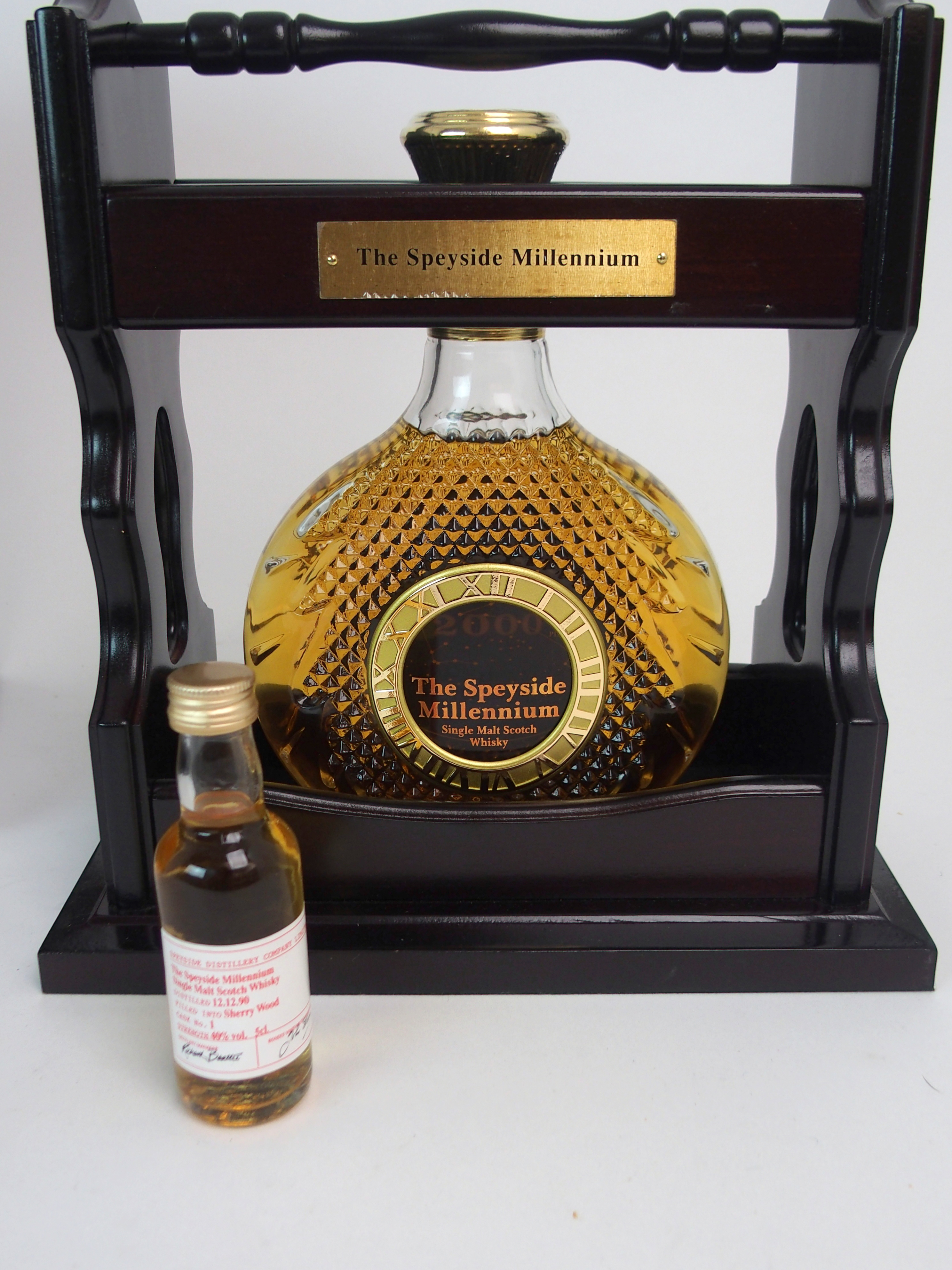 THE SPEYSIDE MILLENIUM SINGLE MALT WHISKY in Tantalus stand, with case, No. 308 with - Image 4 of 5