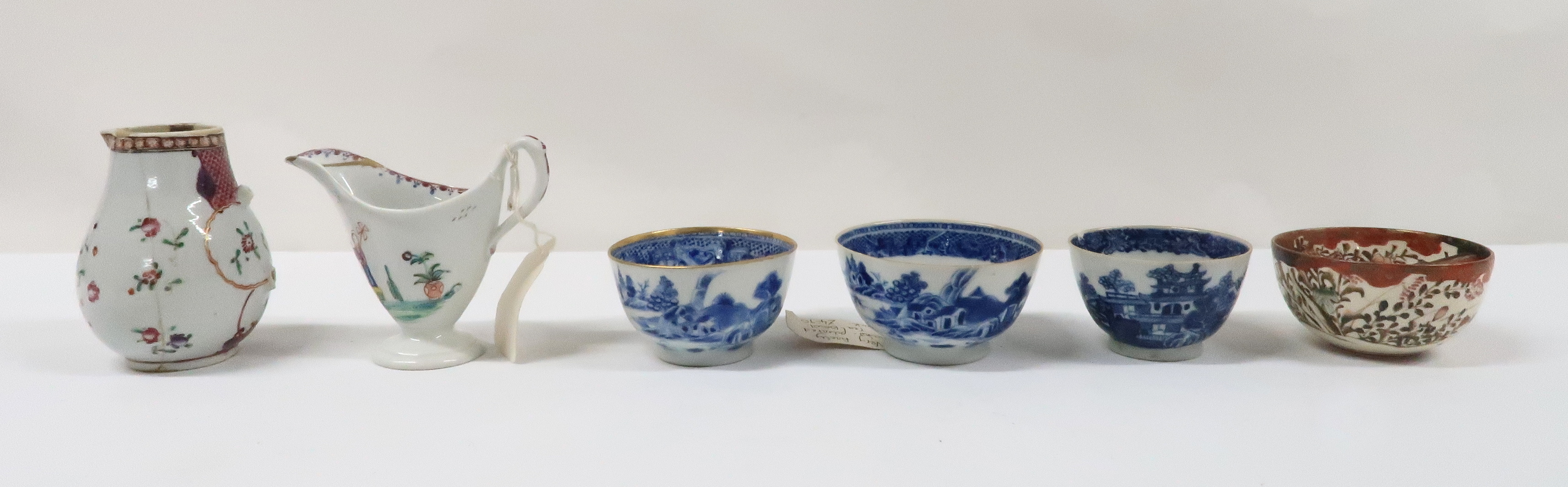 A COLLECTION OF CHINESE EXPORT TEAWARES and others including famille rose, Chien Lung, blue and - Image 8 of 22