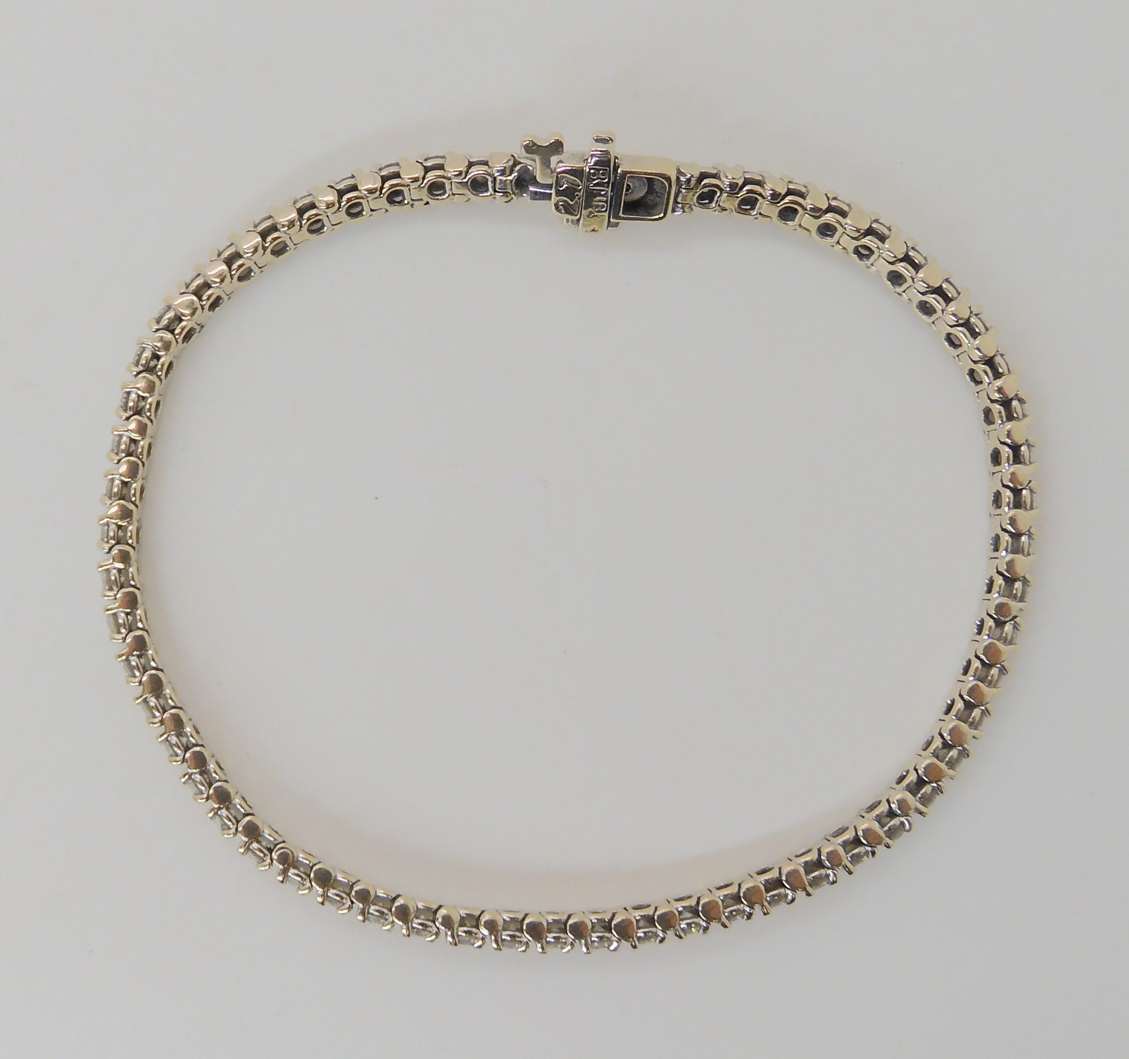 AN 18K WHITE GOLD DIAMOND LINE BRACELET set with estimated approx 2.7cts of brilliant cut - Image 4 of 5