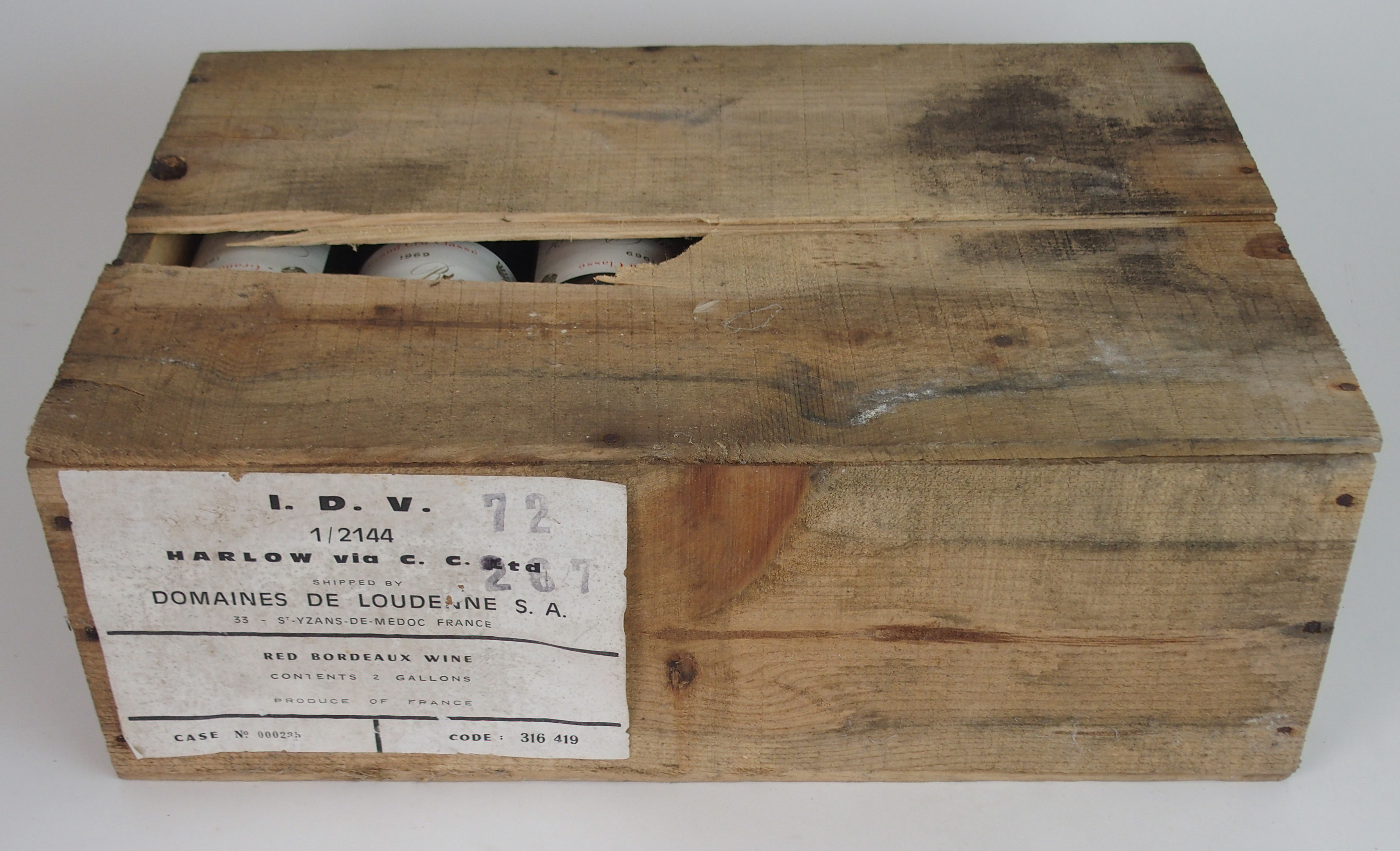 A CASE OF CHATEAU BRANAIRE DULUC DUCRU, ST. JULIEN, 1969 in wooden case Condition Report: - Image 2 of 5
