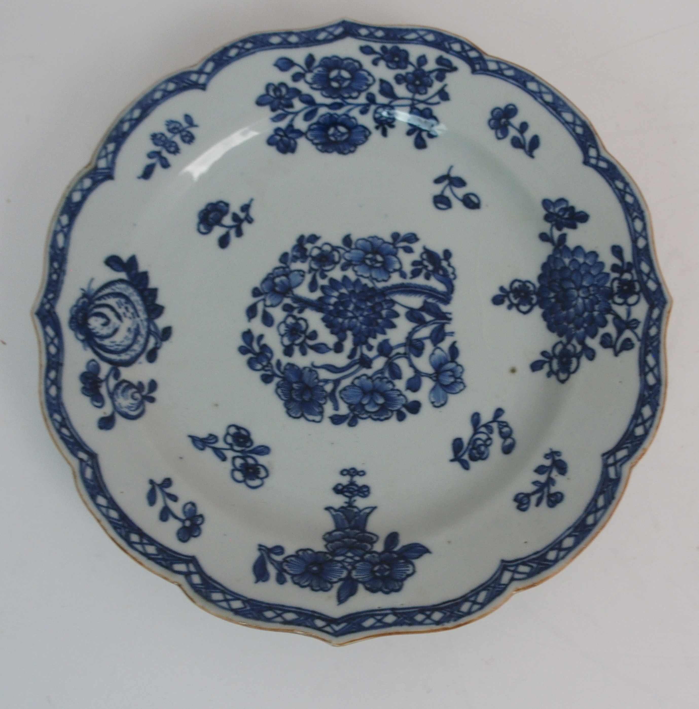 FIVE CHINESE EXPORT PLATES comprising; floral sprays, 22.5cm, Canton figures and precious objects, - Image 3 of 11