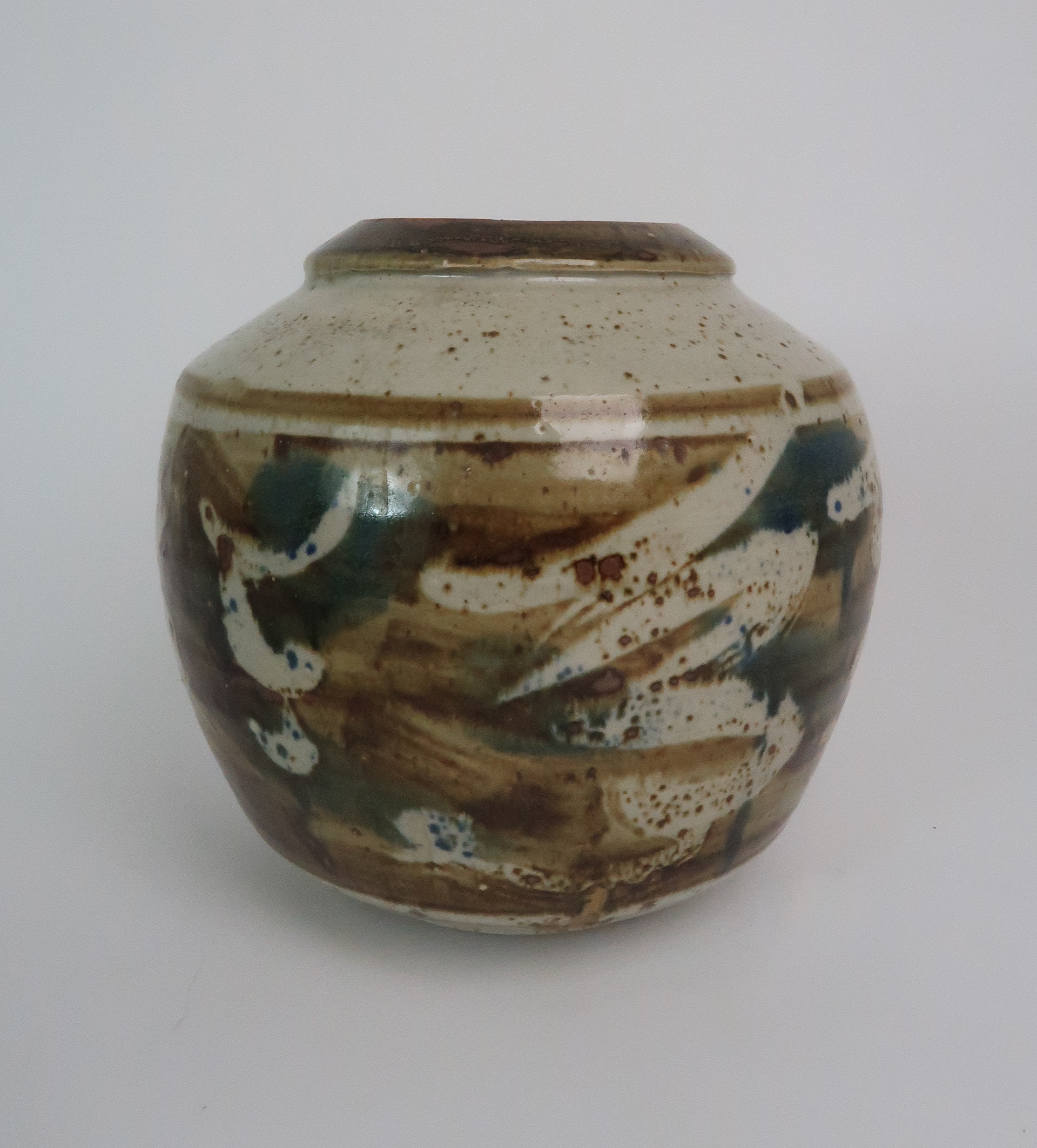 GEORGE SHANKS (1940-2000) - A COLLECTION OF STUDIO POTTERY including a glazed tall vase, 33cm - Image 8 of 15