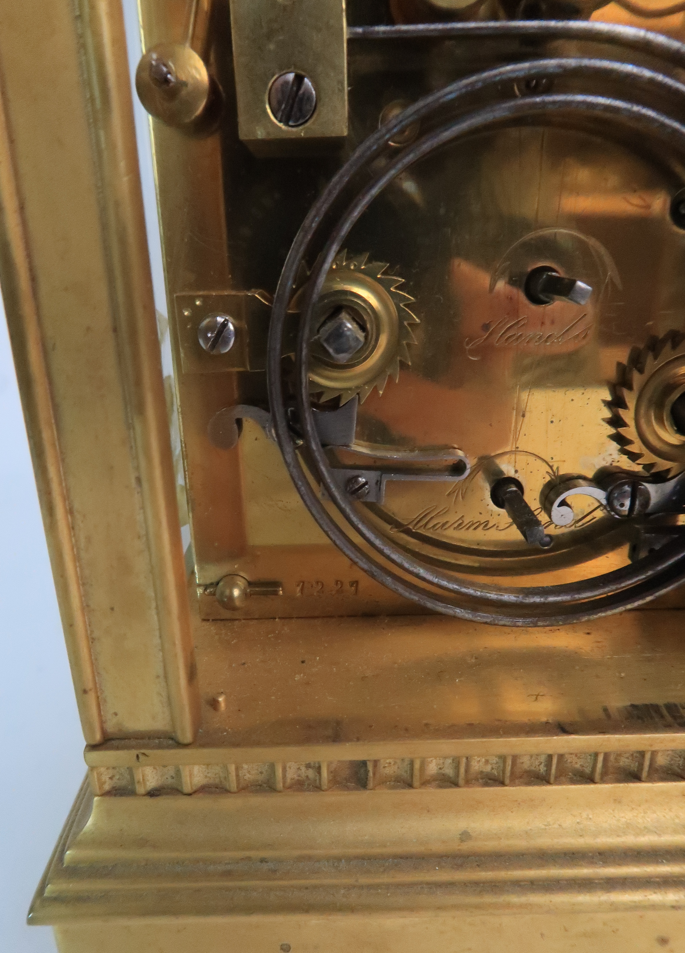 A FRENCH BRASS AND GLASS REPEATER CARRIAGE CLOCK the enamel dial with Roman numerals, with - Image 3 of 8