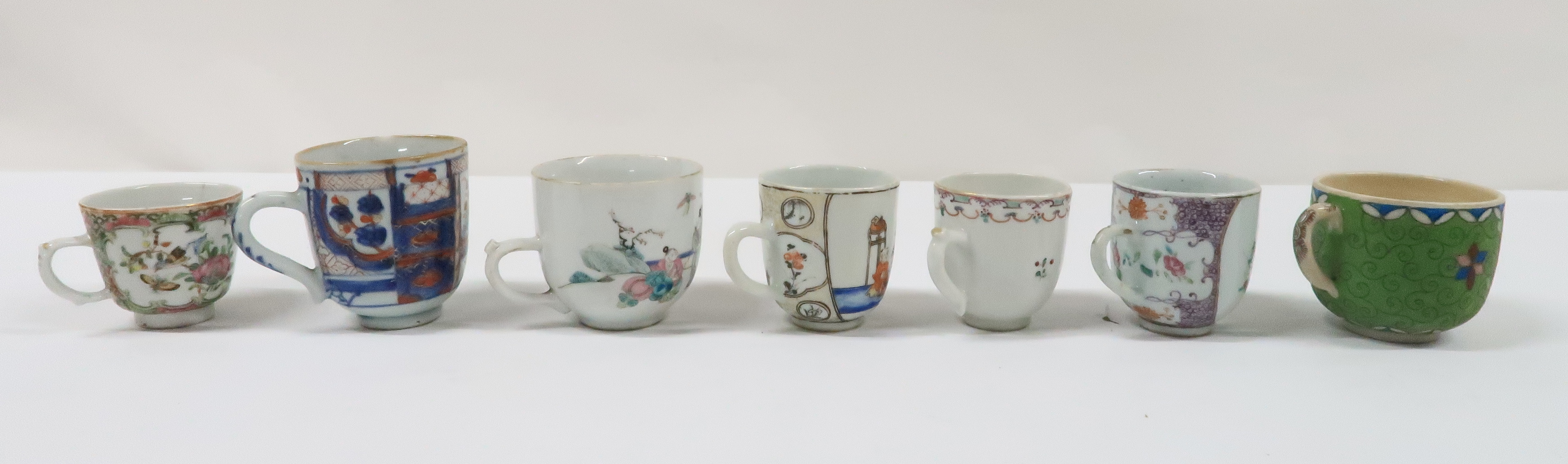 A COLLECTION OF CHINESE EXPORT TEAWARES and others including famille rose, Chien Lung, blue and - Image 11 of 22