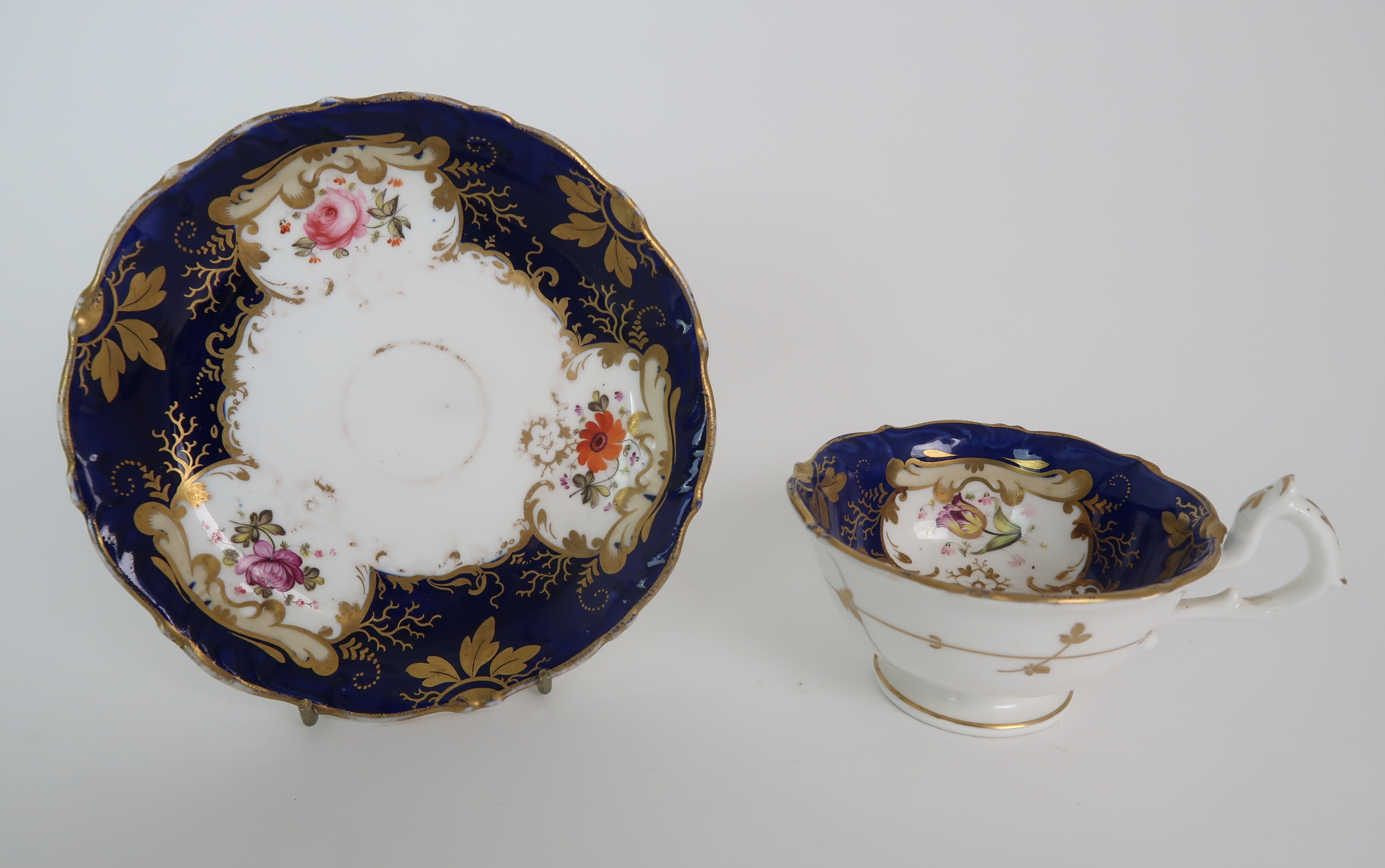 A COLLECTION OF 19TH CENTURY ENGLISH BLUE AND GILT DECORATED TEA AND COFFEE WARES including a - Image 8 of 23