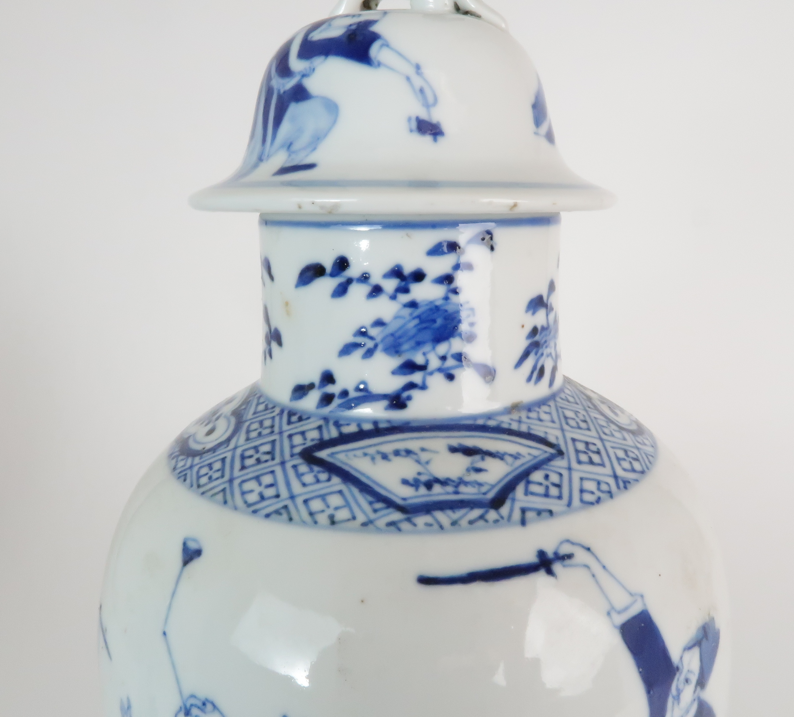A CHINESE BLUE AND WHITE BALUSTER VASE AND COVER painted with numerous figures within foliate - Image 9 of 19
