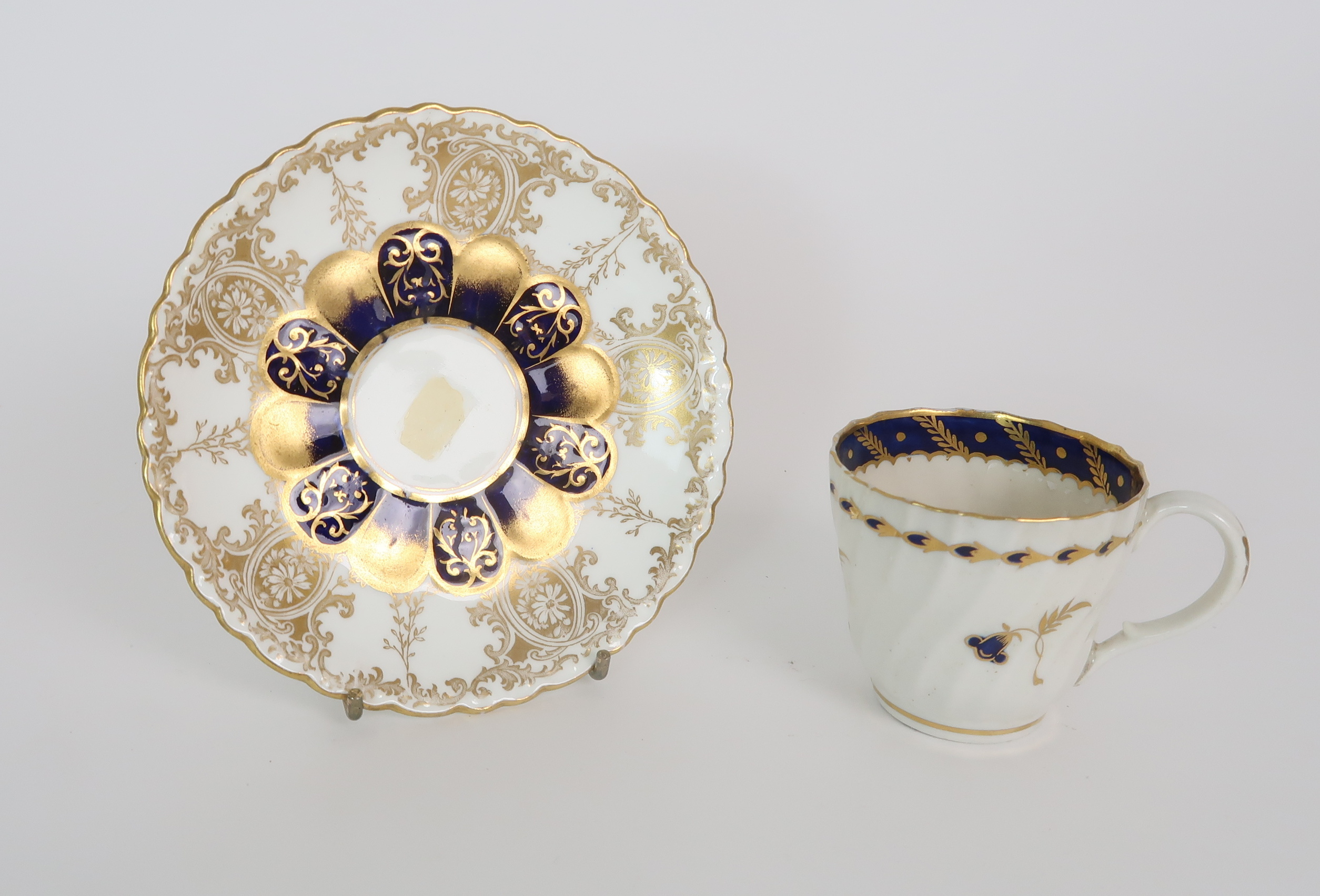 A COLLECTION OF 19TH CENTURY ENGLISH BLUE AND GILT DECORATED TEA AND COFFEE WARES including a - Image 10 of 23