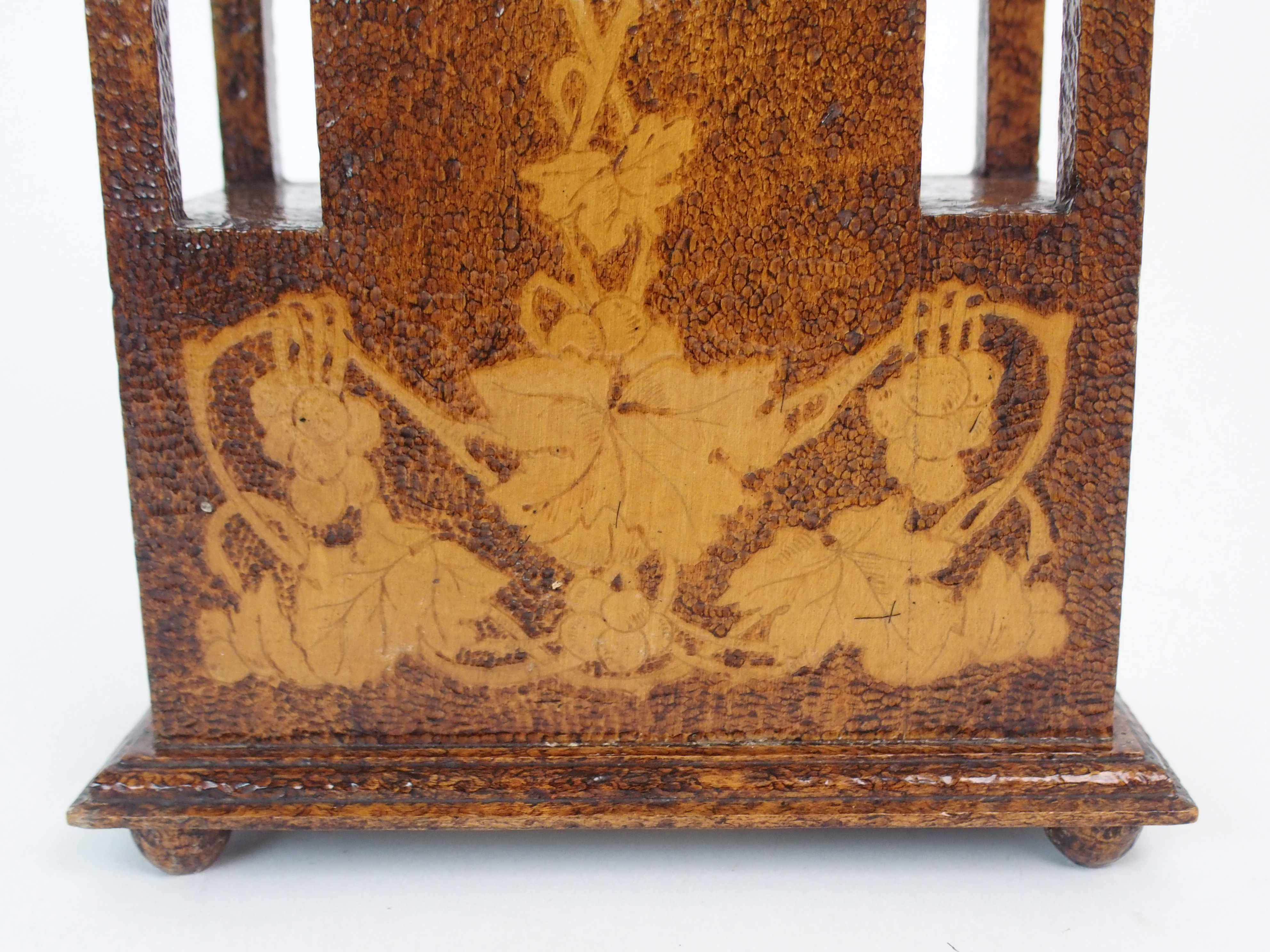THE FOLLOWING THREE LOTS WERE DESIGNED BY BOXWORKS EMPLOYEE JOHN COOK. A MAUCHLINE WARE CLOCK CASE - Image 3 of 6