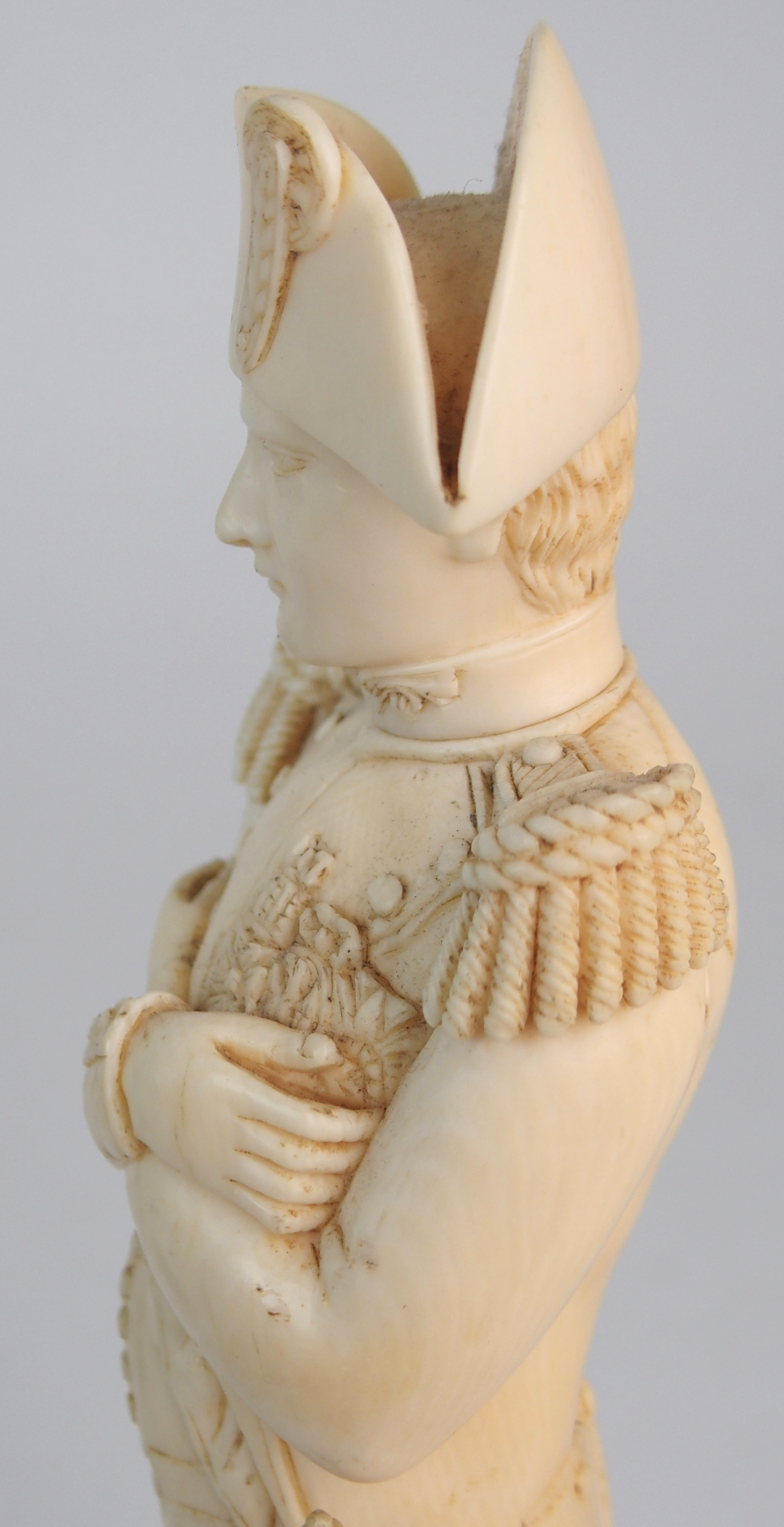 A LATE 19TH/EARLY 20TH CENTURY CARVED IVORY MODEL OF NAPOLEON in uniform with crossed arms, on - Image 2 of 9