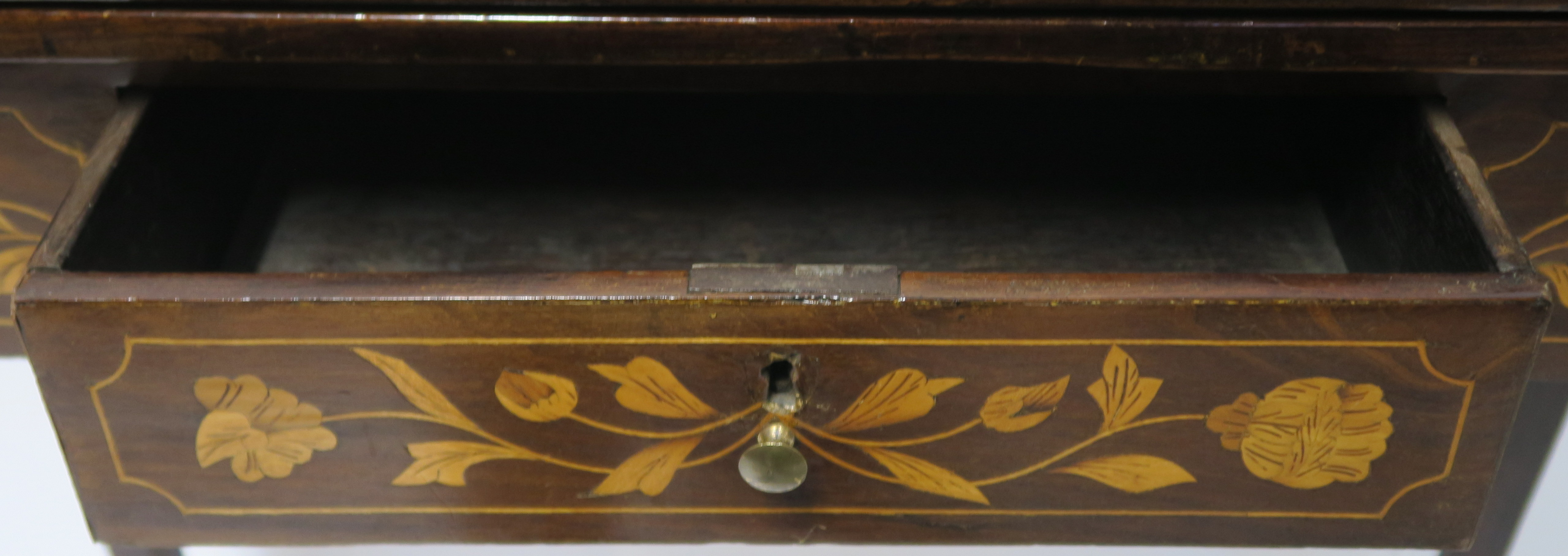 A DUTCH MARQUETRY WALNUT GAMES TABLE decorated with a basket of flowers, birds and scrolling - Image 4 of 11