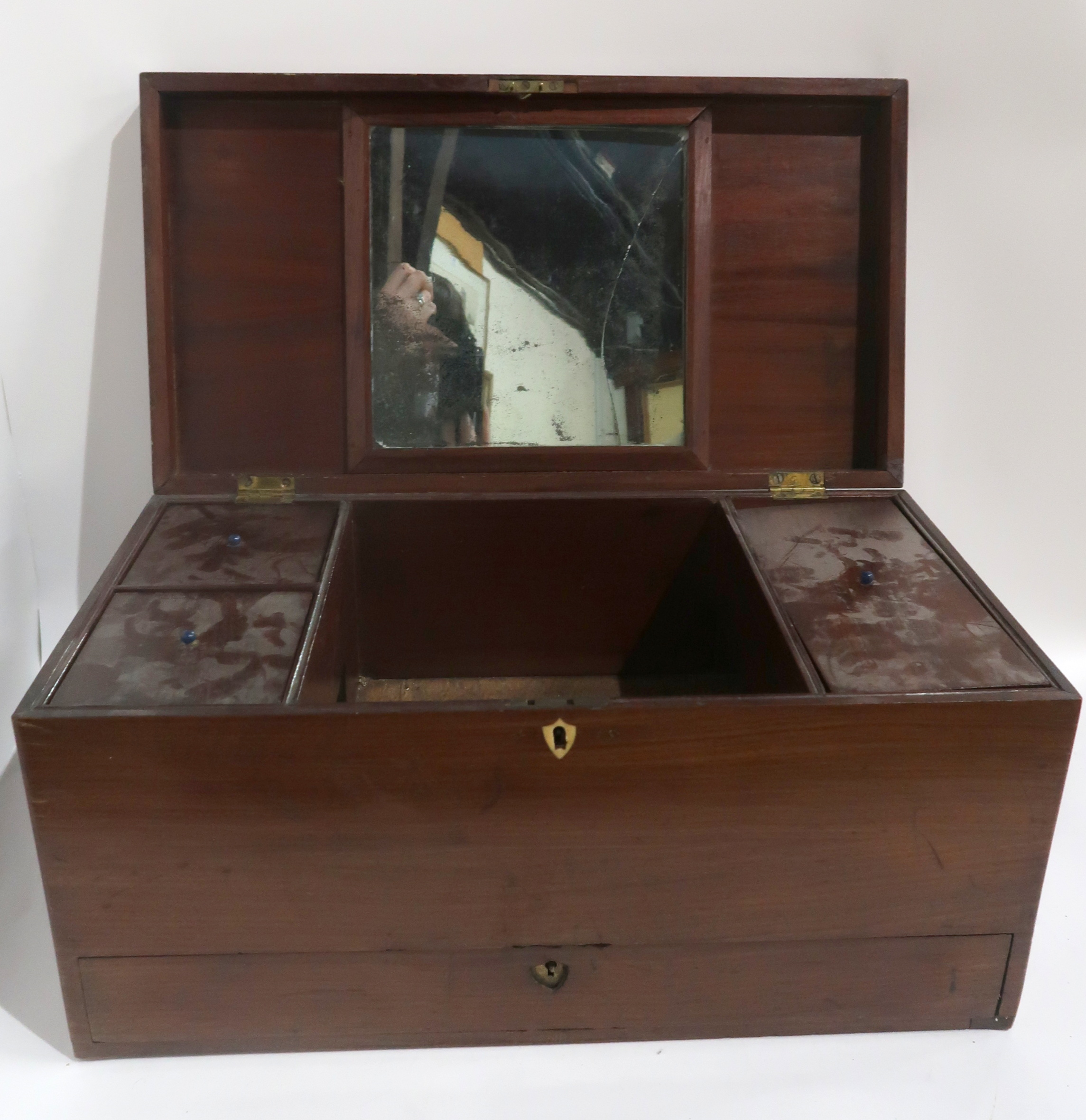 A GEORGIAN MAHOGANY JEWELLERY BOX Condition Report: Available upon request - Image 4 of 4
