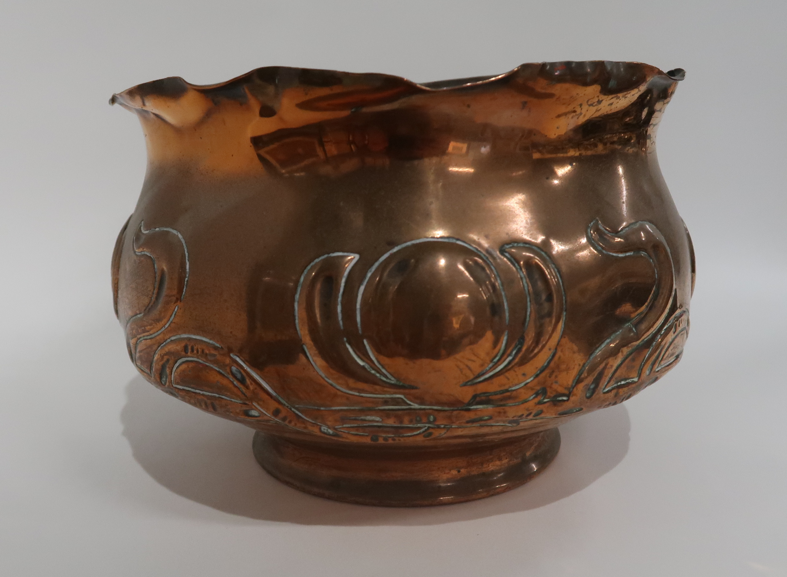 A WILLIAM SOUTTER AND SONS COPPER JARDINIERE two brass celtic knotwork trinket dishes, a similar - Image 3 of 4
