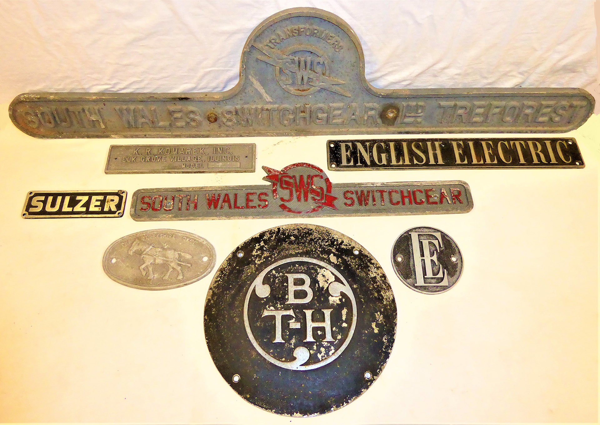 A lot containing a collection of Electric Plates to include BTH, ENGLISH ELECTRIC. SULZER. 2 x SOUTH