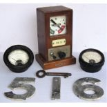 A lot containing signalling with other items. BR(W) Lamp Indicator made by RE Thompson fitted with
