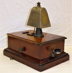 GWR Block Bell fitted with COW BELL. Complete with both thumb screws in good ex box condition.
