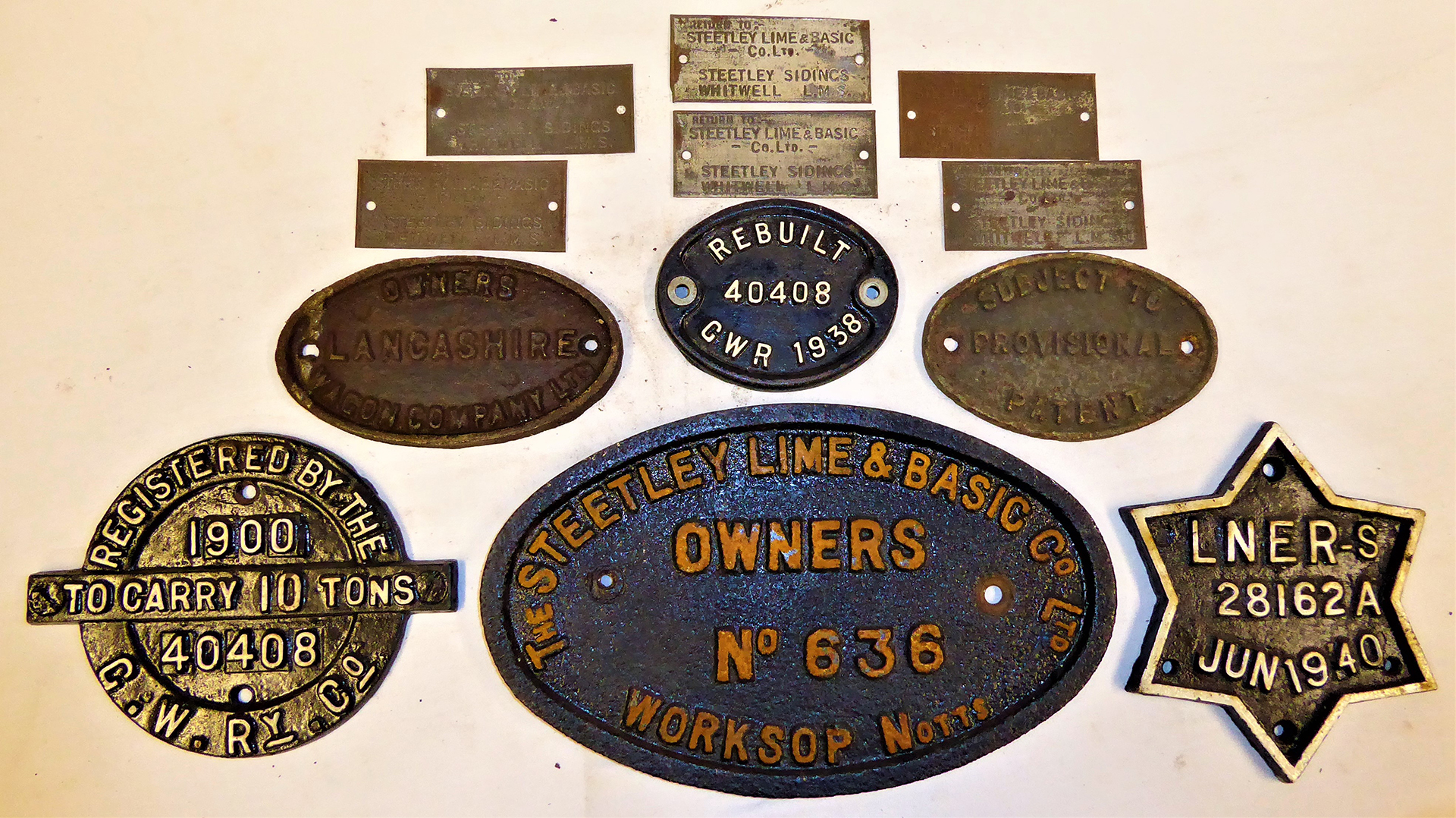 A collection of cast iron and tin Wagon Plates. THE STREETLEY LIME AND BASIC CO LTD No 636. OWNERS