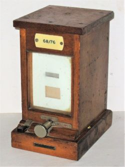 BR(W) Old pattern Lamp Indicator with ivorine label 68/76 in ex box condition made by RE Thompson.