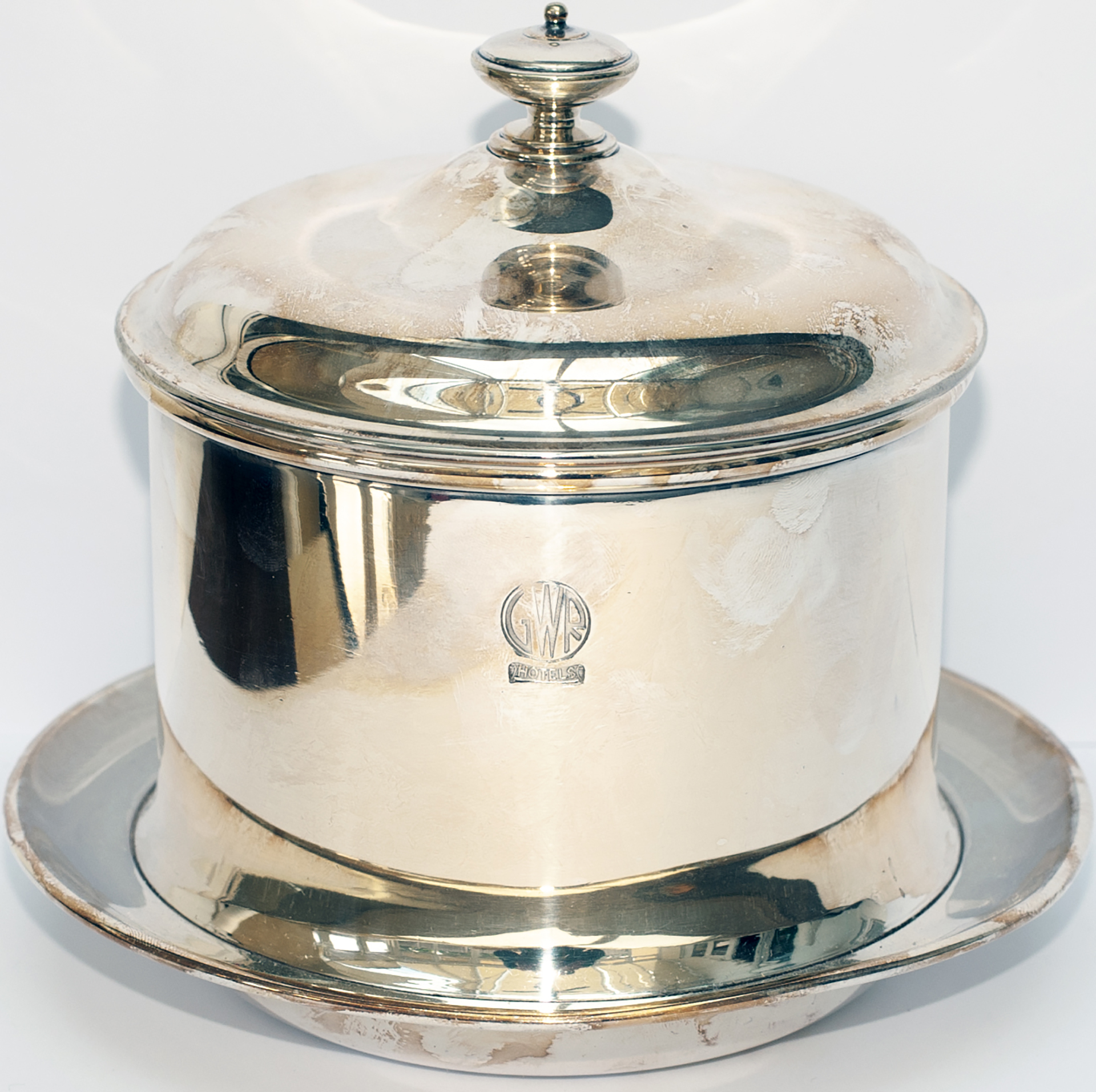 GWR silverplate BISCUIT BARREL face marked GWR HOTELS and base marked Elkington Plate and date