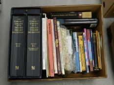 THE COMPACT EDITION of the Oxford English Dictionary. 2 vols with magnifying glass. Book Club