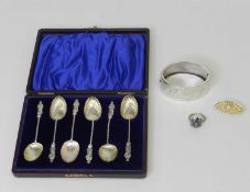 A cased set of six silver teaspoons