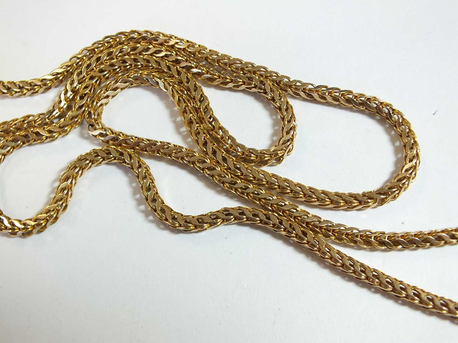 A yellow metal guard chain - Image 12 of 14