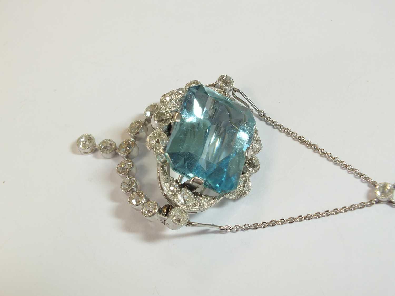A Belle Epoque aquamarine and diamond pendant/brooch - Image 3 of 9