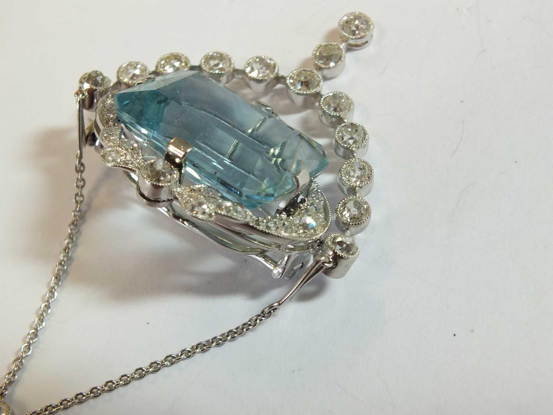 A Belle Epoque aquamarine and diamond pendant/brooch - Image 9 of 9