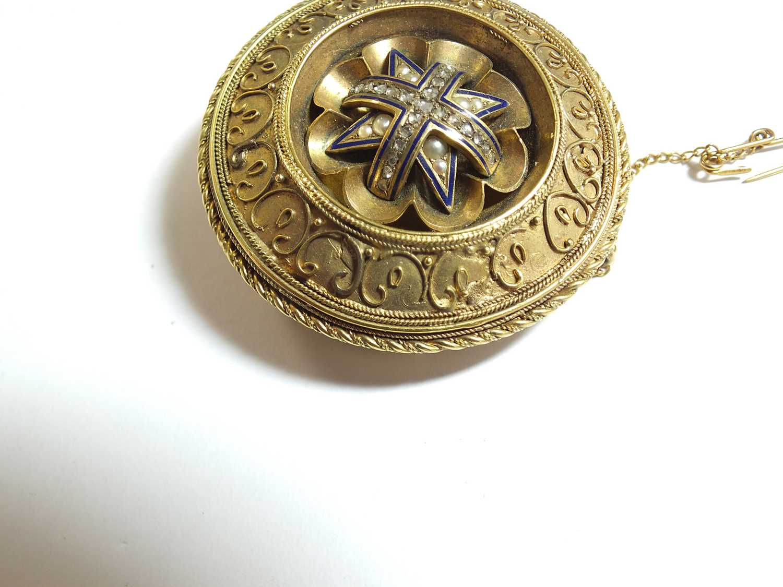 A 19th century rose cut diamond and blue enamel locket brooch - Image 5 of 7