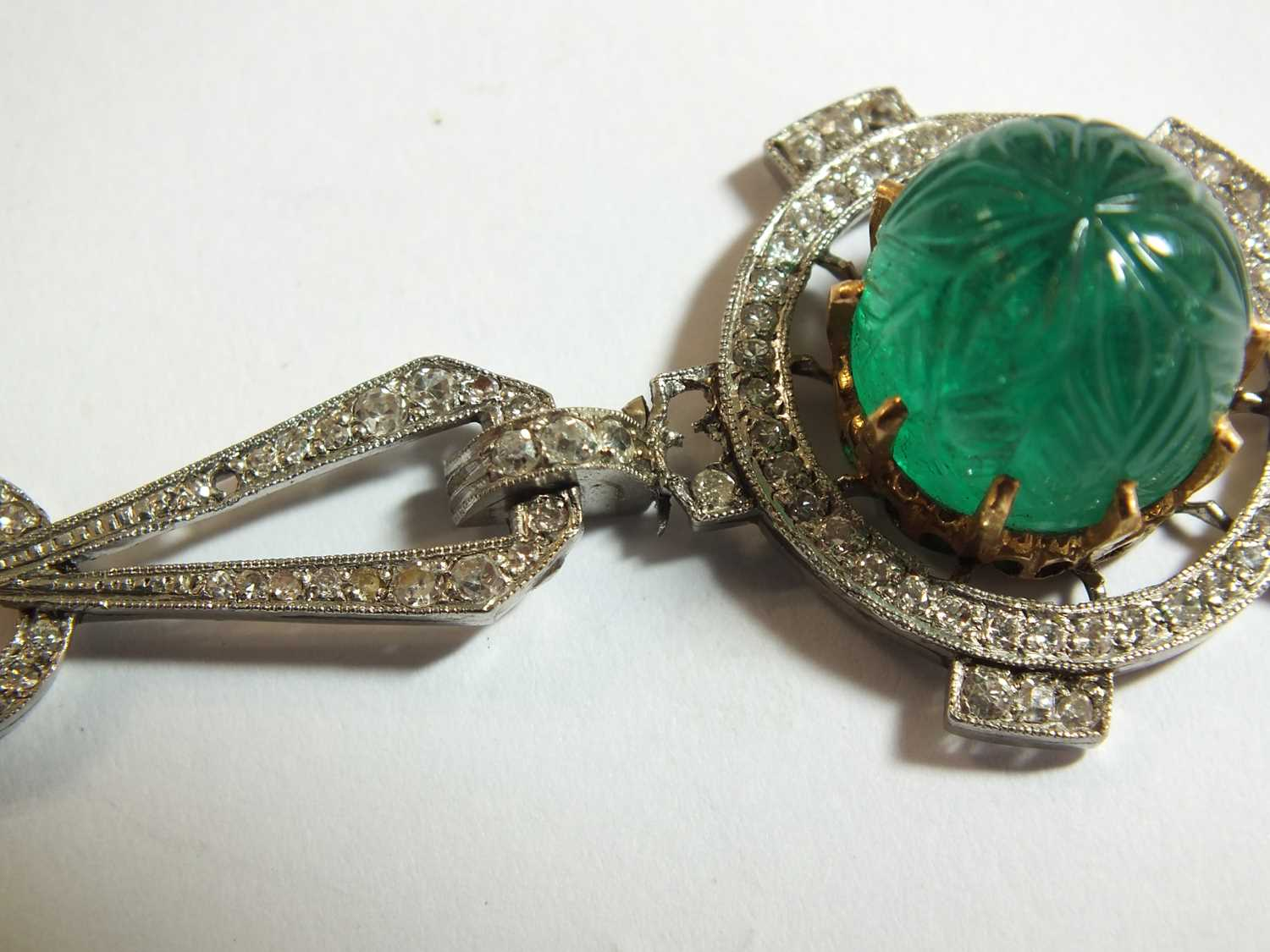 An Art Deco emerald and diamond pendant on chain - Image 4 of 14